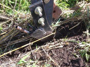Fertilizer knife cutting furrow