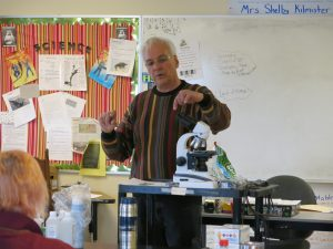 Tony Jadzack, former state inspector for Maine show us how to use the microscope